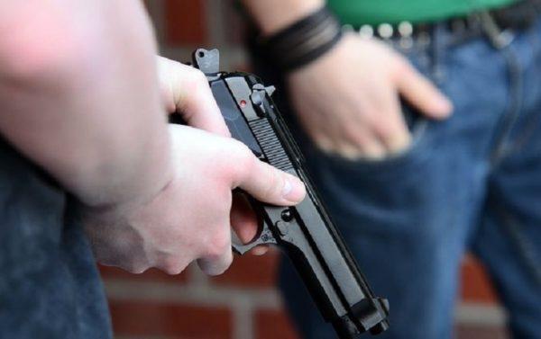 мужчина открыл стрельбу на севере столицы
