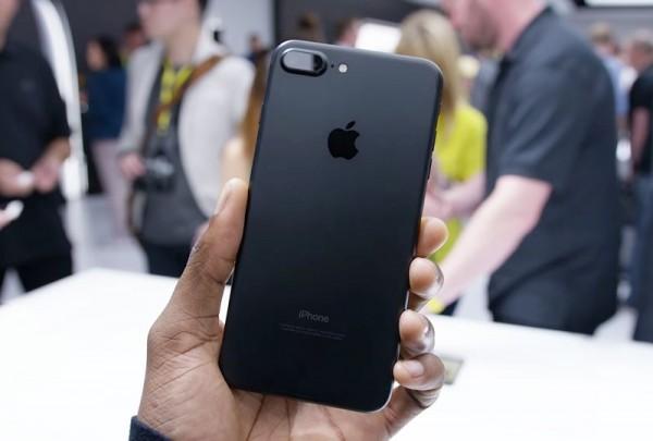 iPhone 7 и iPhone 7 Plus