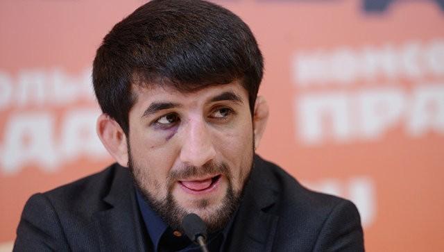 нападение на бойца смешанных единоборств Расула Мирзаева