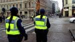 В Алматы разгорелся скандал с писающим полицейским